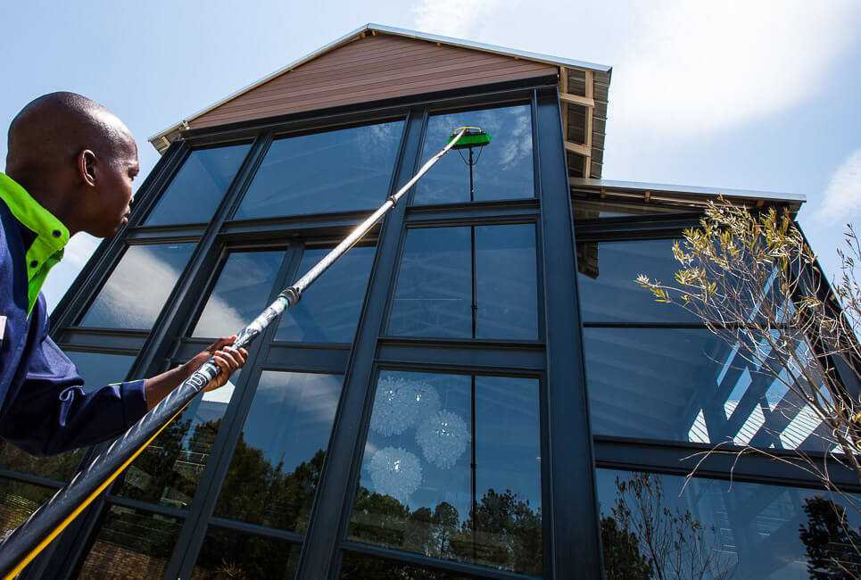 Water Cleaning Services : Water fed pole window cleaning services